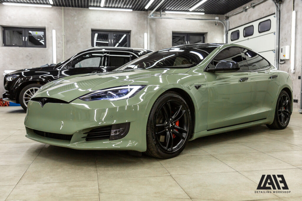 Tesla Model S Inozetek Khaki Green