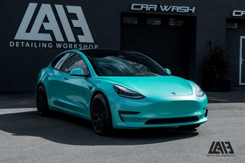 Tesla Model 3 Inozetek Neon Mint