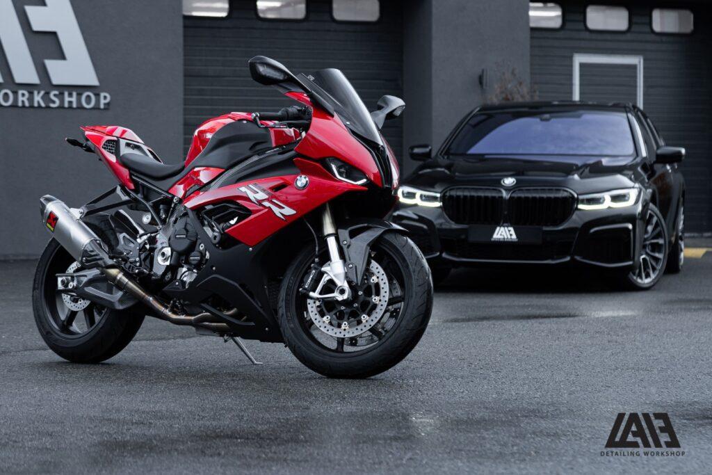 BMW 750 и BMW S1000RR